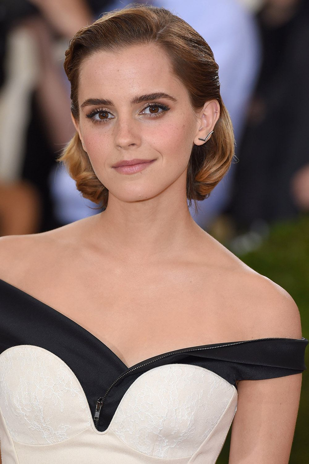 Emma Watsons Hairstyles Look Book Hair Clipper Center