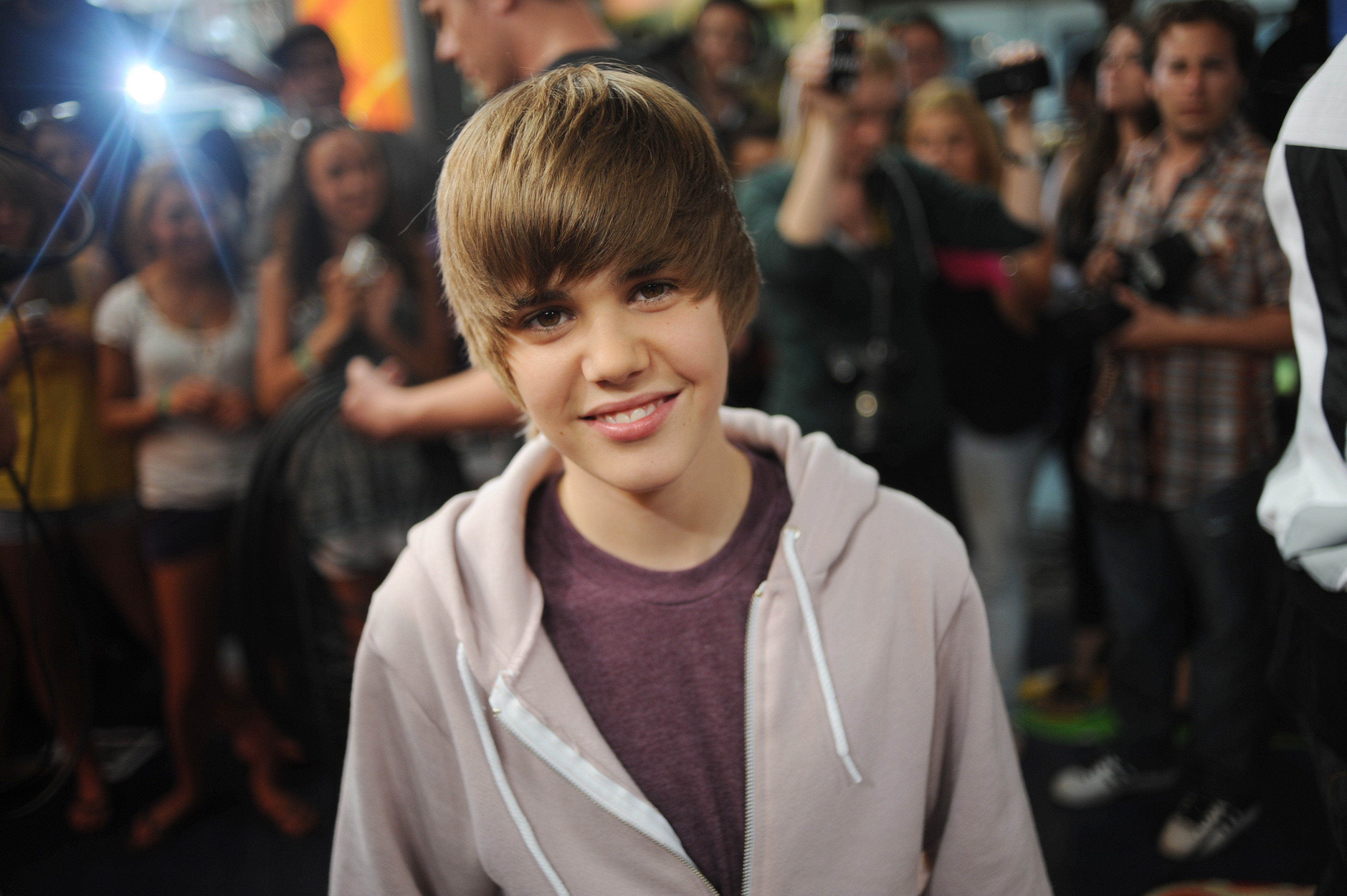 The Classic Swoop justine bieber hairstyle