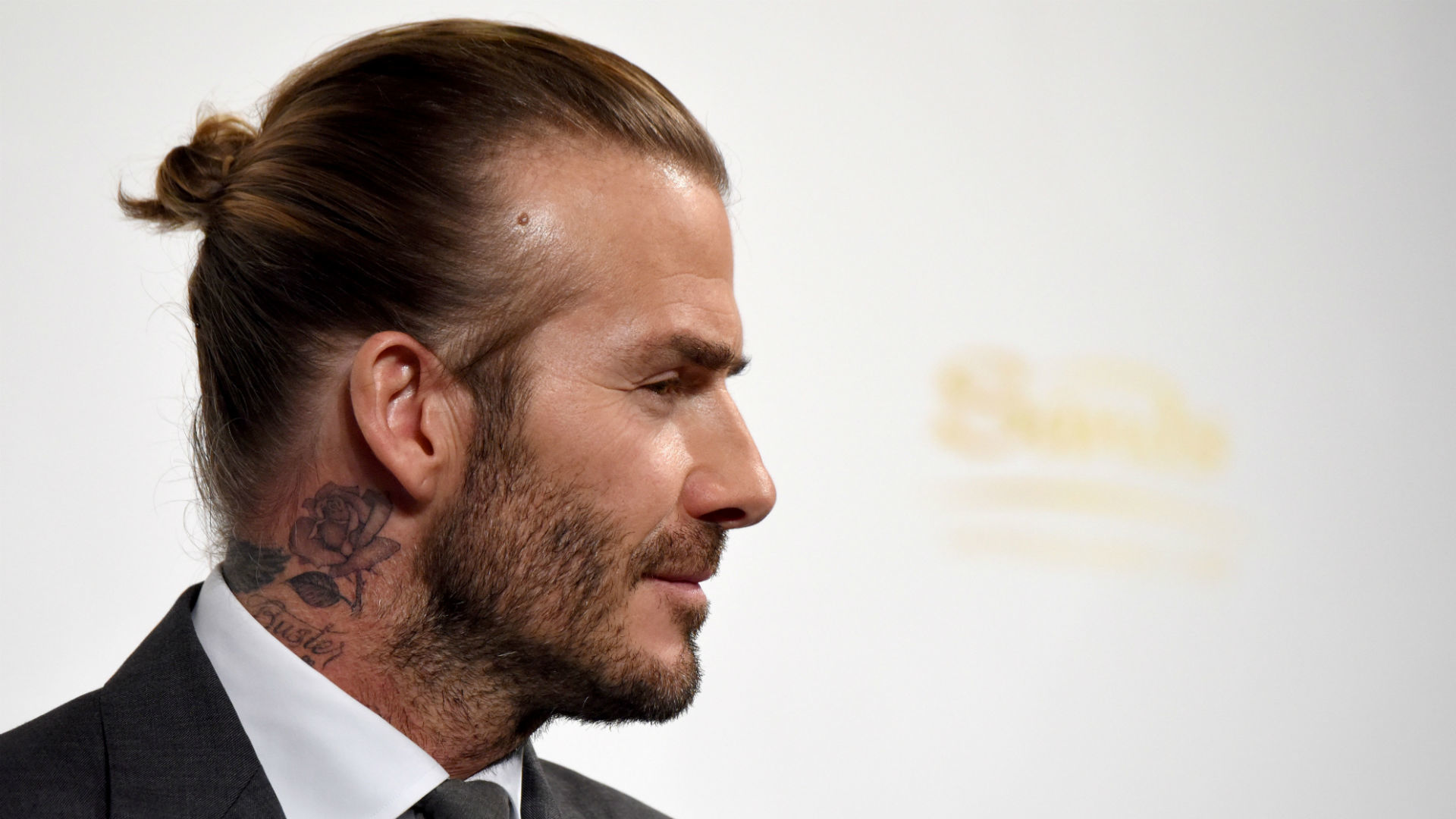 Styling a Widow's Peak Hair Line: Ideas, Tips, and Examples